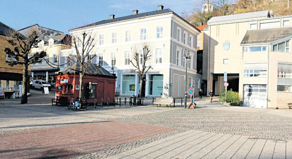 RUSTES OPP:Posisjonen I Arendal Vil Ha Lekeplass, Stellerom Og Toaletter På Torvet.