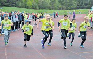 JAKTET STAFETTSEIER:Løperne Gav Alt For å Komme Før Konkurrentene.