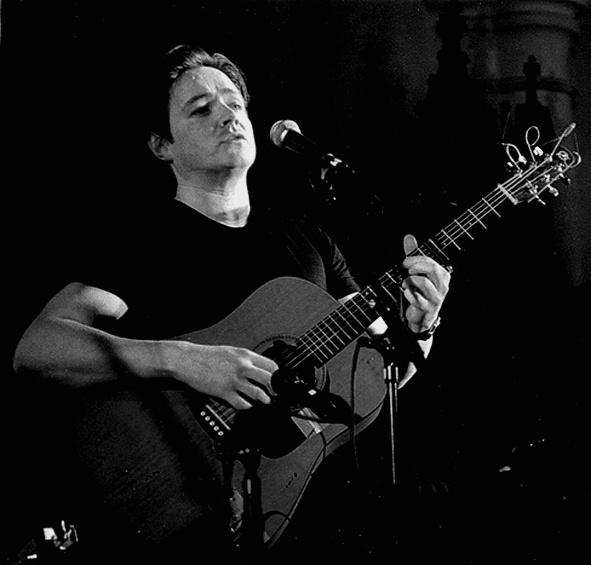 IRSK AFTEN: Den Irske Singer/songwriteren John McGlynn Holder Konsert På Kaffe- Og Platebaren No9. Pressefoto.