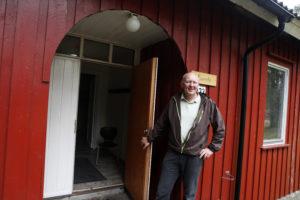 ØNSKER VELKOMMEN: Daglig Leder I Hove Drift Og Utviklingsselskap Terje Stalleland Har åpnet Døra For Unge Flyktninger. Foto: Jarle Kavli Jørgensen.