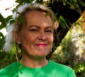 REGNSKOGSVOKTER: Anita Mørland Leder I Agder For TV-aksjonen Regnskapsfondet. Foto: Jarle Kavli Jørgensen.