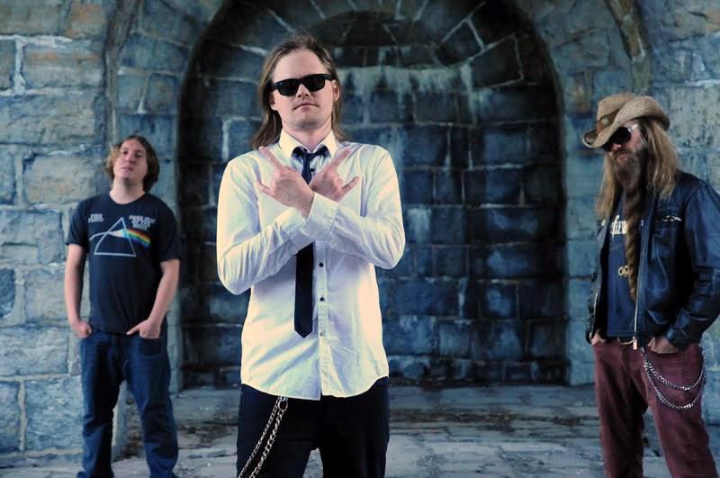 Arendalsbandet «Metal Heads With Broken Hearts» Bidrar Med Egne Låter På Et Album Dedikert Til De Syriske Flyktningene. Pressefoto.
