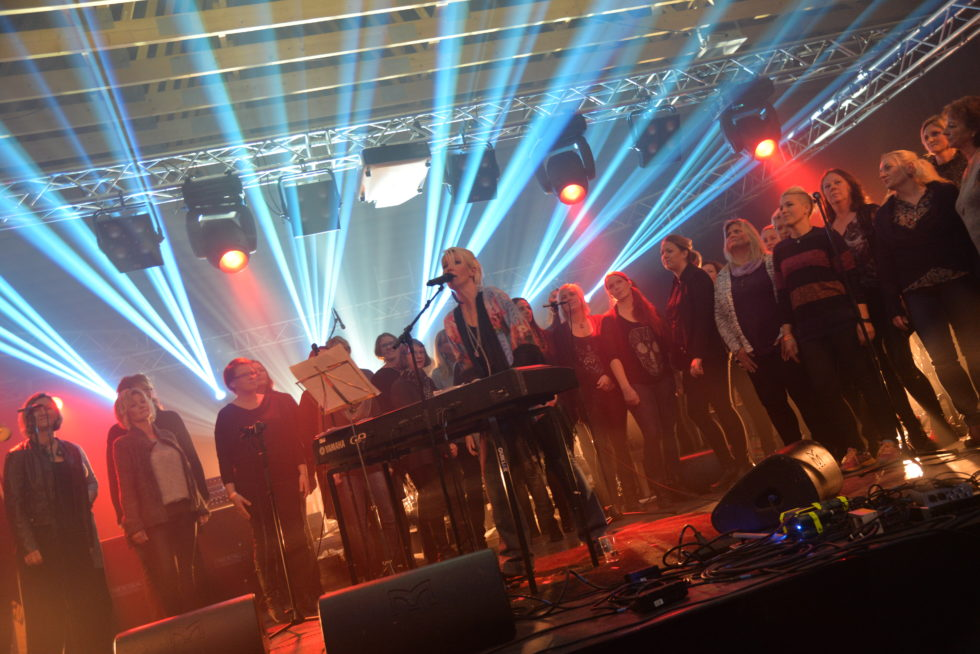 Novemberfestivalen I Full Gang. Se Video Og Bilder.