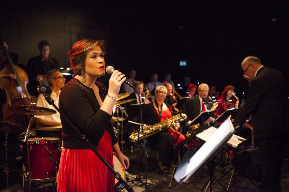 Førjulsstemning Med Arendal Big Band