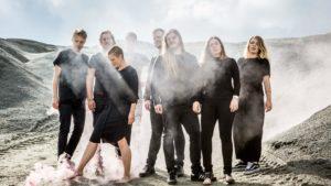 """SESONGSTART: Poporkesteret """"MEER"""" Sparker I Gang Vårsesongen På Munkehaugen Scene, Fredag Kveld. Foto: Jonas Jeremiassen Tomter"""