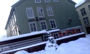 AVDEKKET SKJENKEBRUDD: Madam Reiersen I Arendal Kan Få Inndratt Skjenkebevillingen I Ei Uke. Foto: Esben Holm Eskelund