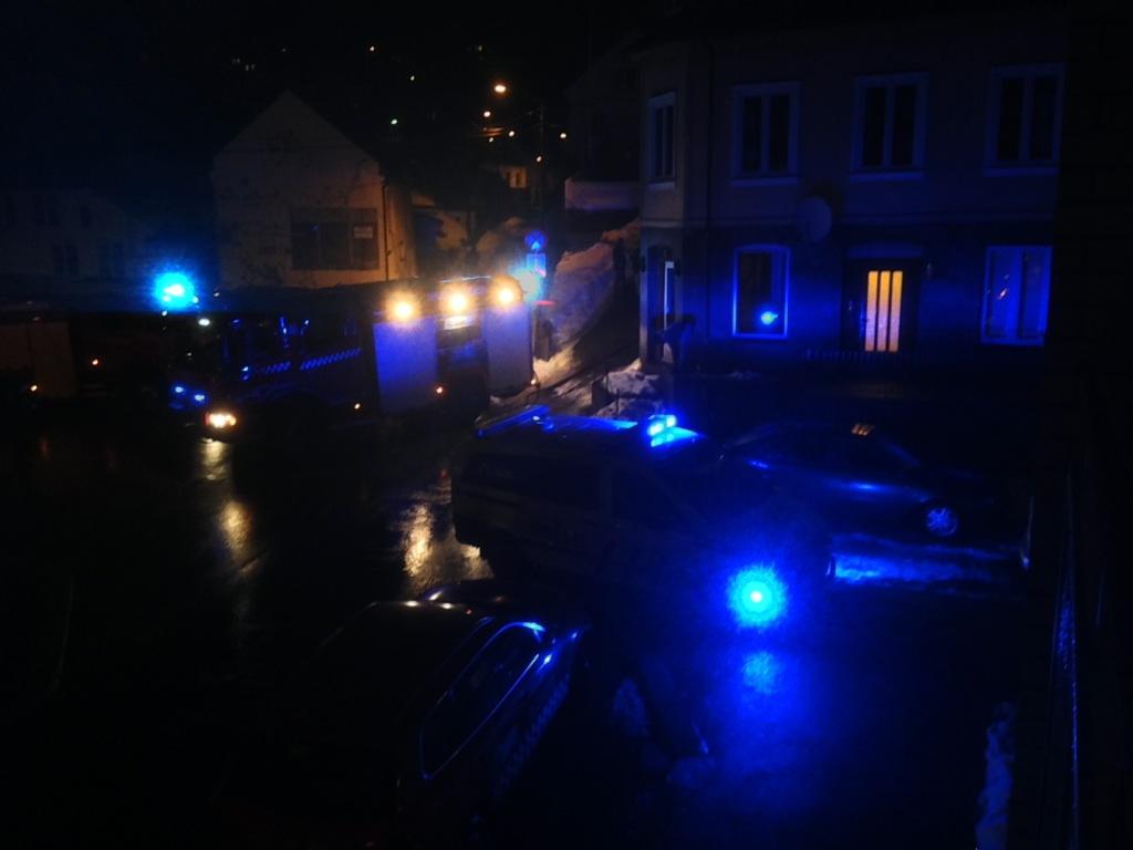 Brann: En Bygning I Arendal Sentrum Overtent