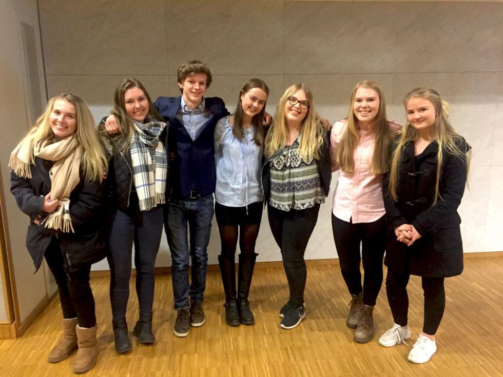 Unge Kvinner Kuppet Høyre-styret