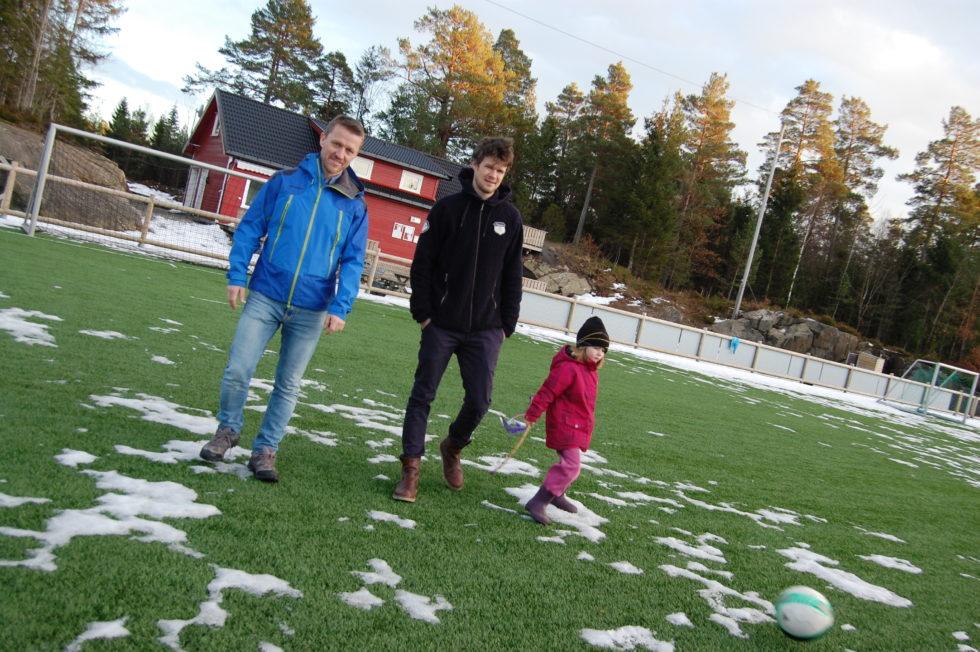 Idrettspolitikk:  Ber Bygda Kjenne Sin Besøkelsestid