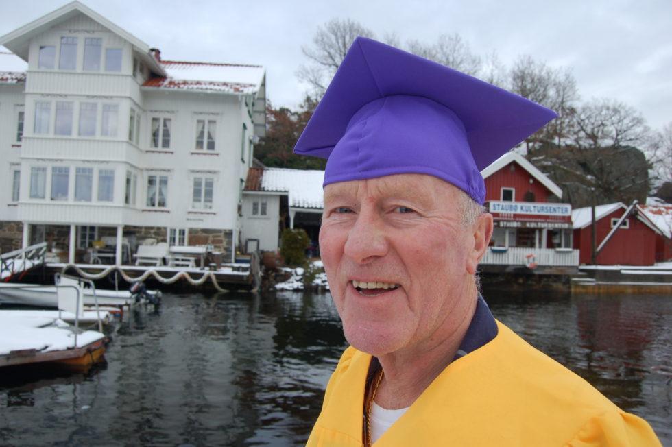 Han Er Selvutnevnt President For Eldrerussen