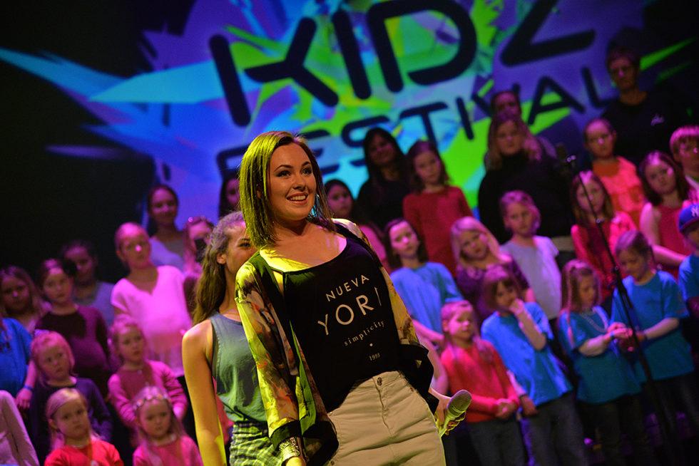 """BARNAS FESTIVAL: I Fjor Gjorde """"Kidz Festival"""" Stor Suksess Med Blant Annet Raylee På Scenen. I år Er Det Nye Stjerner På Plakaten. Arkivfoto."""