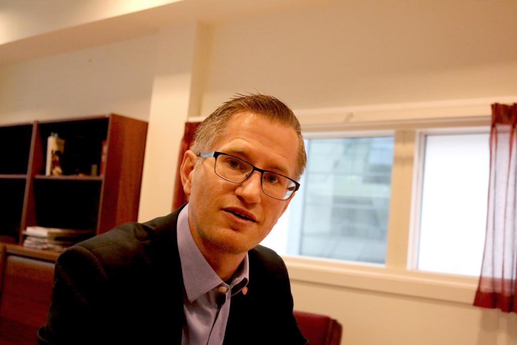 TRAVELT: Ordfører Robert C. Nordli i Arendal har travle dager. Foto: Esben Holm Eskelund
