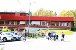 MOTTAKSKLASSER: Nedenes Skole (bildet) Og Birkenlund Skole Kan Få Mottaksklasser For Grunnskolepliktige Flyktningbarn I Asylmottak. Arkivfoto/Esben Holm Eskelund