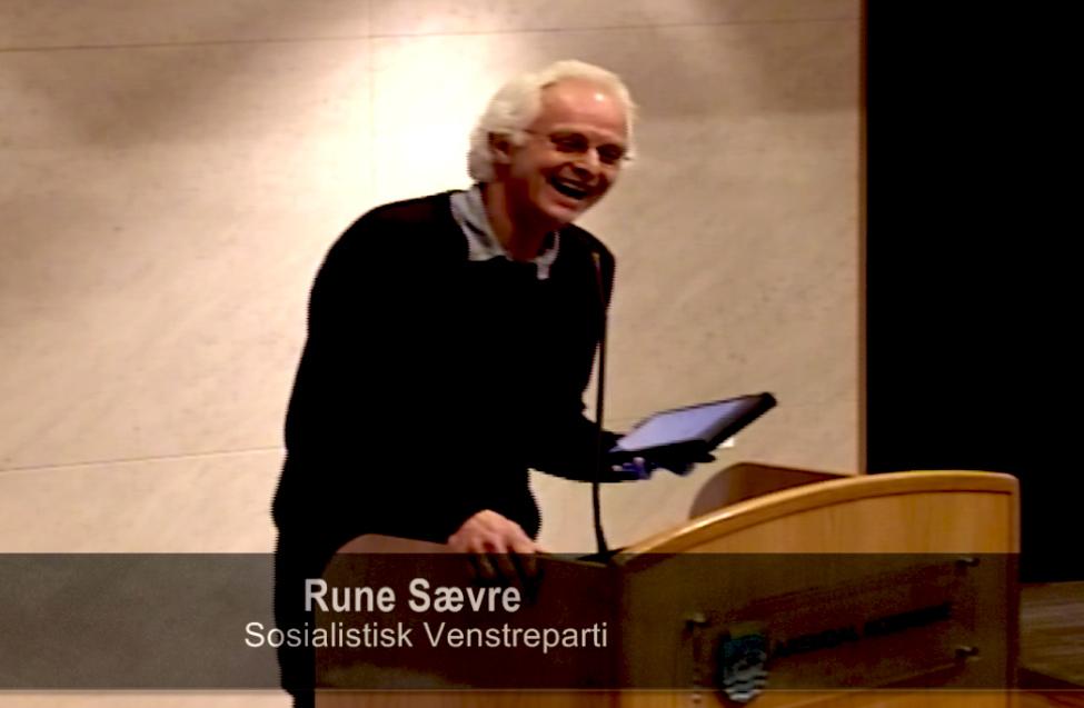 VIDEO: Mystisk Stemme Avbryter SV-politikeren