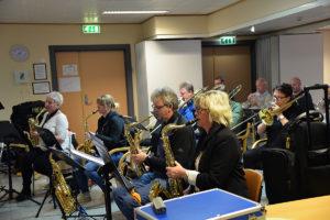 STORBAND: Seks Saksofonister Er Klare Til å Spille Pink Floyd I Storbandformat. Foto: Noemy Clori