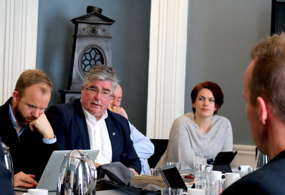 POSITIV: Geir Fredrik Sissener Fra Høyre (midten) Mener Politikerne Må Være Positive Til Canal Street Og At Festivalen Fint Vil Håndtere En Utvidet Skjenkebevilling. Foto: Esben Holm Eskelund