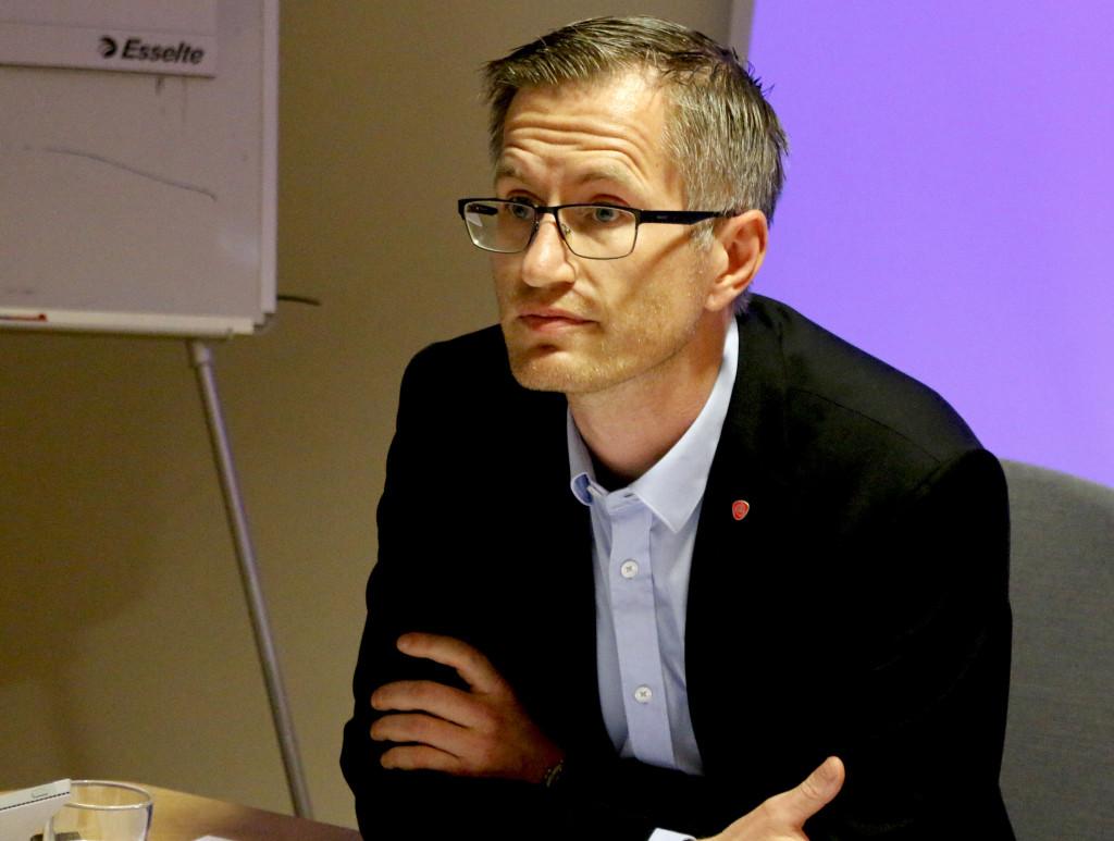 VIL AVGJØRE: Arbeiderparti-ordfører Robert C. Nordli vil ha vedtak i bystyret om det skal holdes folkeavstemning, allerede førstkommende torsdag. Arkivfoto/Esben Holm Eskelund