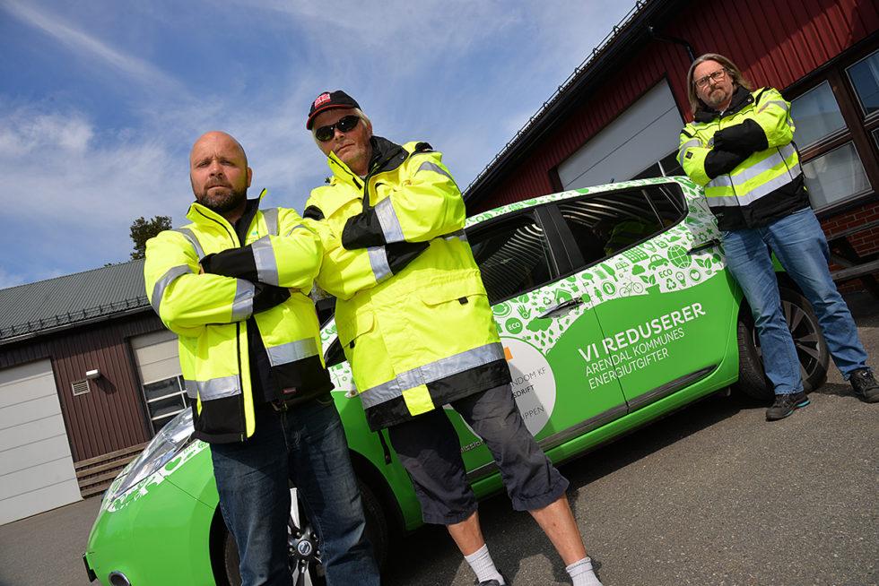 ENERGIPOLITI: Frode Pedersen, Arvid Danielsen Og Jarl Bollmann Pedersen Er Betjenter I Strømmens Tjeneste I Arendal. Foto: Linda Christensen