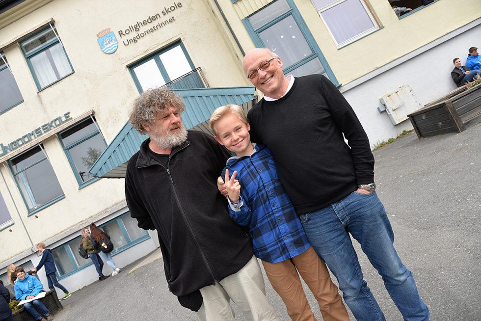 SAMHOLD: De To Lærerne Har En God Tone Med Elevene På Roligheden Skole. F.v. Jan Vidar (Bamse) Frivold, Christian Lauvdal Bie Og Brynjulf Tjentland.