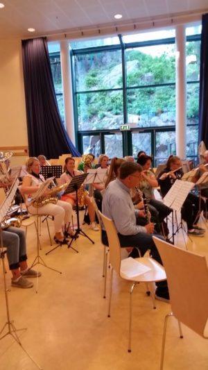 FULL RULLE: Arendal Ungdomsmusikkorps øver Hver Tirsdag På Stinta Skole. Foto: Siri Jørgensen