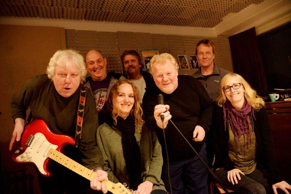 "ROCKER SCENEN: Bandet ""Still Messin'"" Er Fast Inventar På ""Blå Dager"". Arkivfoto."