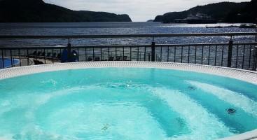 SPEKTAKULÆRT: Et nasjonalparksenter på Hove trenger noe spektakulært i tillegg. Et badeland som Sørlandsbadet i Lyngdal kunne gjort seg. Foto: Facebook/sorlandsbadet