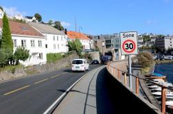 BOMRING: En bypakke med dagens forutsetninger vil bety en bomring rundt Arendal. Hvor bommene eventuelt kommer er ikke klart, men innfartsårene til sentrum, slik som Vesterveien, er sannsynligvis aktuelle. Foto: Esben Holm Eskelund