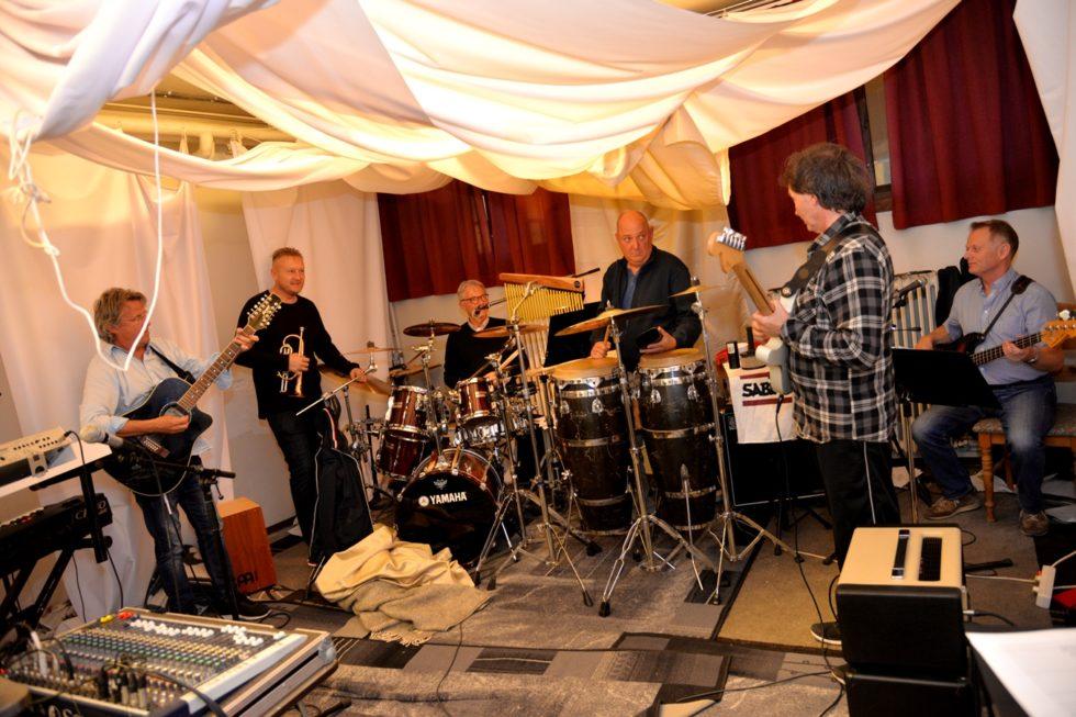 FATAL DROPPER DANSEBANDSTEMPELET: Ny Musikk Og Ny Besetning