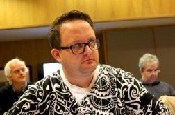 BEKLAGET: Ap-politiker og leder av oppvekstkomitéen i Arendal, Gjermund O. Bjørndahl beklaget personangrep overfor bystyret. Foto: Esben Holm Eskelund