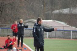 NYE MULIGHETER: Hisøy-trener Christian F. Hermansen (nærmest) og Øyestad-trener Tor Andersen tror neste års 5.divisjon kan skape ny motivasjon i de lokale klubbene bak Arendal Fotballs suksess. At det ikke er lokale klubber høyere enn nivå 6 er et dårlig tegn, ifølge Hermansen. Arkivfoto.