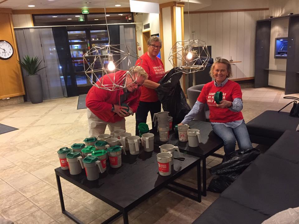TV-DUGNAD: Søndag Kveld Var Opptellingen I Full Gang I Arendal. Foto: TV-Aksjonen Arendal/Facebook