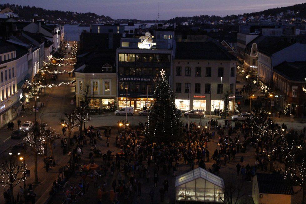 Julegrana Ble Tent På Tredje Forsøk
