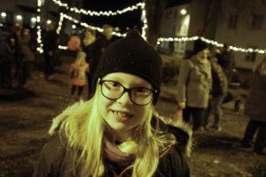 GOD JUL: Nora (8) Fikk En God Start På Jula Da Hun Fikk Være Med Damekoret å Synge. Foto: Grete Husebø
