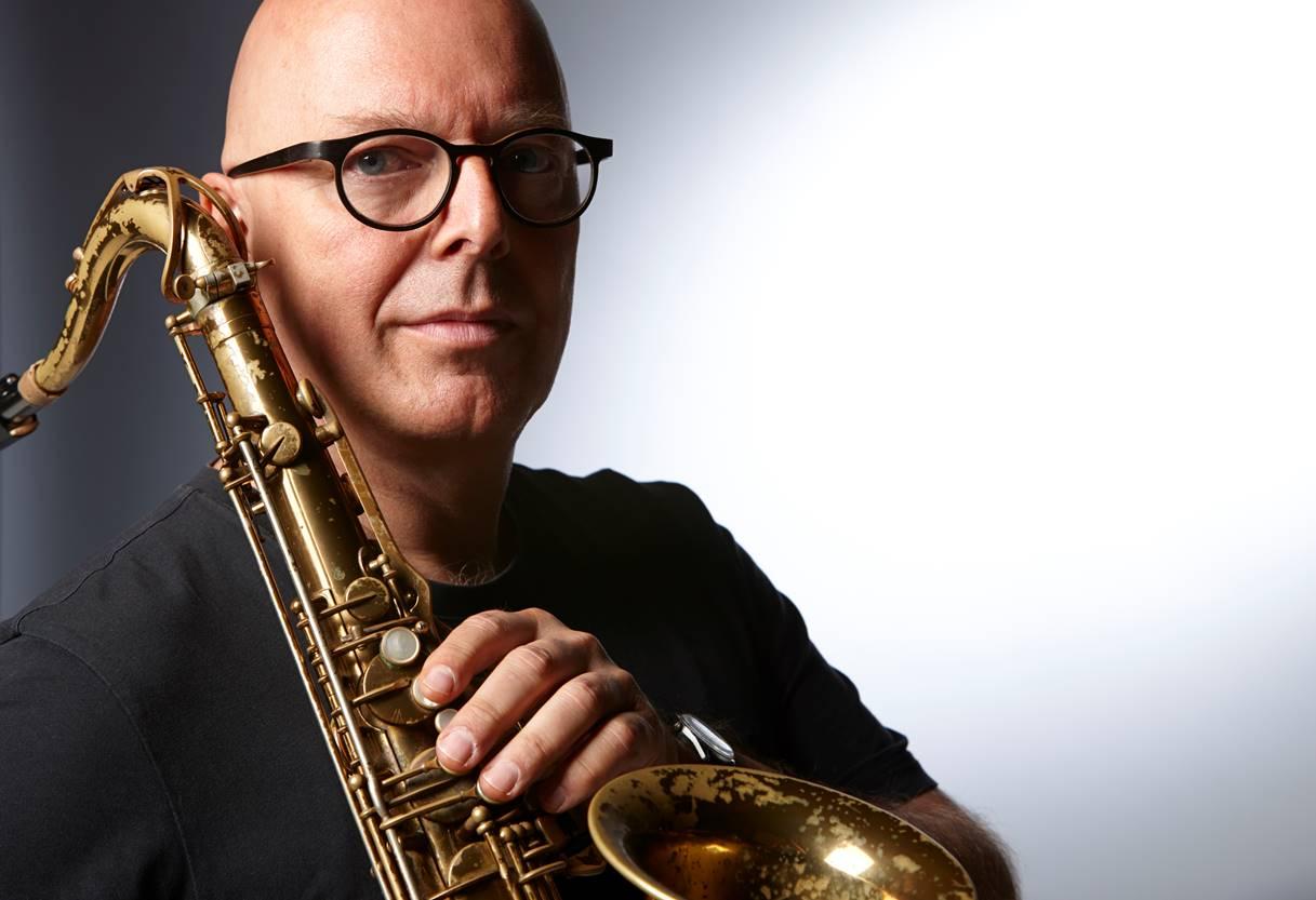 FRA TYSKLAND TIL NORGE: Den tyske saksofonisten Michael Willmow har bosatt seg i Arendal. Foto: Frank Peinemann