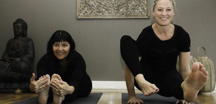 Satser stort på yogaundervisning
