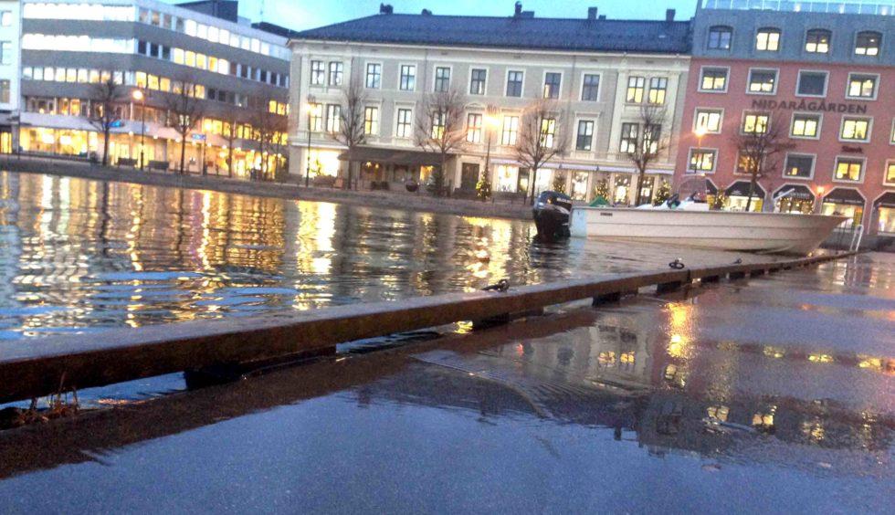 SJØEN VIL STIGE IGJEN: Ekstremt Høyt Lavvann