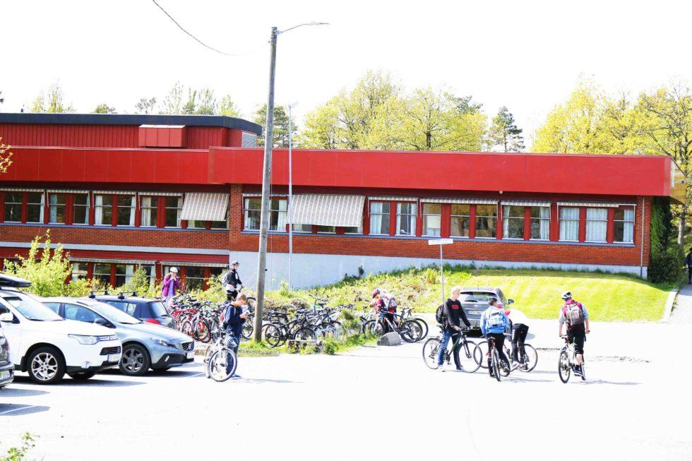 MOTTAKSSKOLE: Nedenes Skole Kan Bli Kommunens Fjerde Skole Som Får Et Grunnleggende Norskopplæringstilbud For Minoritetsspråklige. Arkivfoto