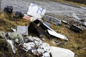 FORTVILENDE: Naboer På Stoa Er Irritert På Den Voksende Søppelsjøen Langs Turveiene. Arkivfoto