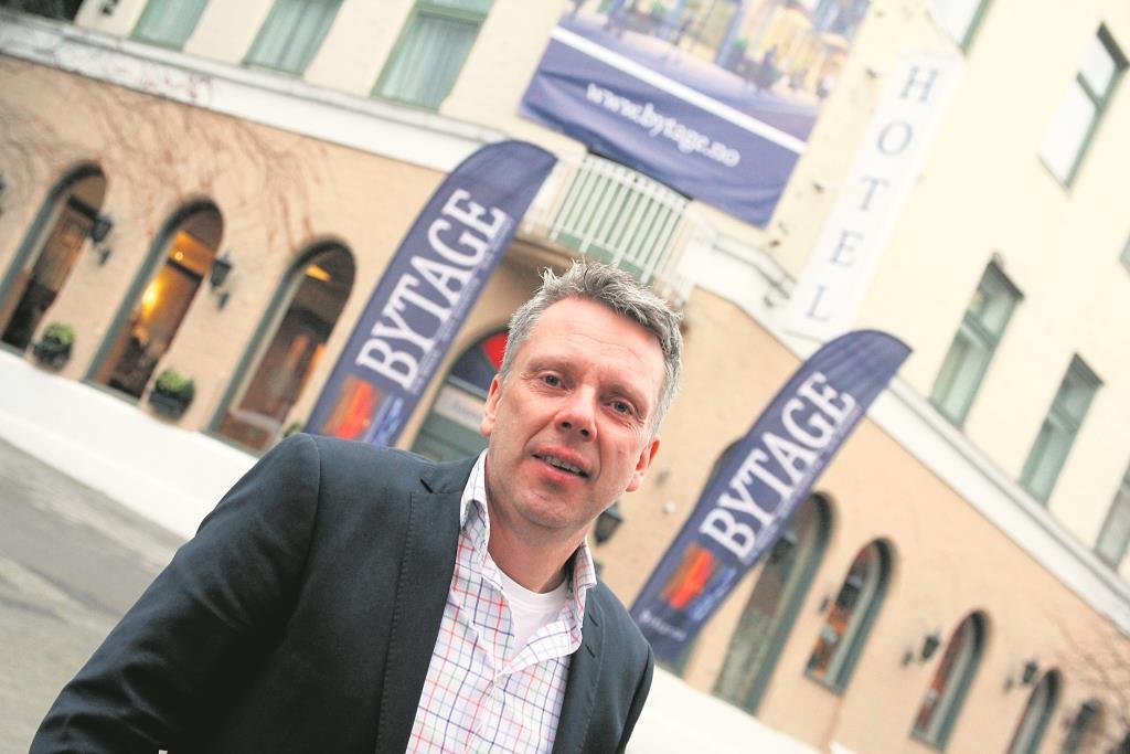 SATSER: Ove Trøen satser på boliger i sentrum og selger leiligheter i hotellet. Foto: Grete Husebø