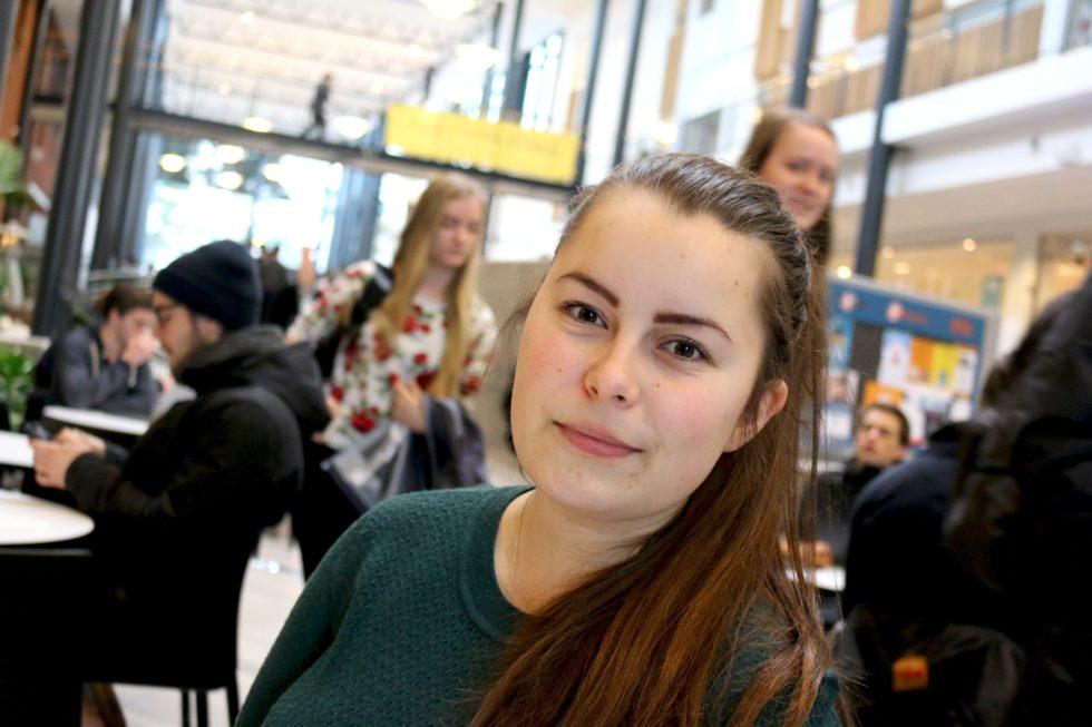 STUDENTPOLITIKER: Arbeiderpartiets Jelena Høegh-Omdal Trives Som Student Ved Universitetet I Agder. Foto: Esben Holm Eskelund