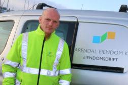 FAST JOBB: Nils Jørgen Nyli gikk fra å være uføretrygdet til å jobbe fast som byggdrifter i Arendal Eiendom KF. Foto: Esben Holm Eskelund