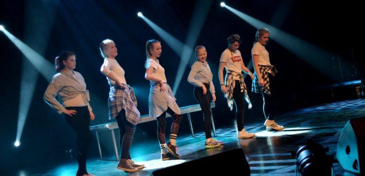 Dansegruppe fra Åmli dansestudio.