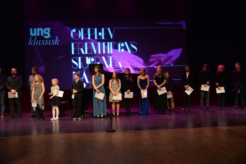 FINALE: 14 finalister er plukket ut til årets finale i Ung klassisk. På bildet er fjorårets finalister. Arkivfoto