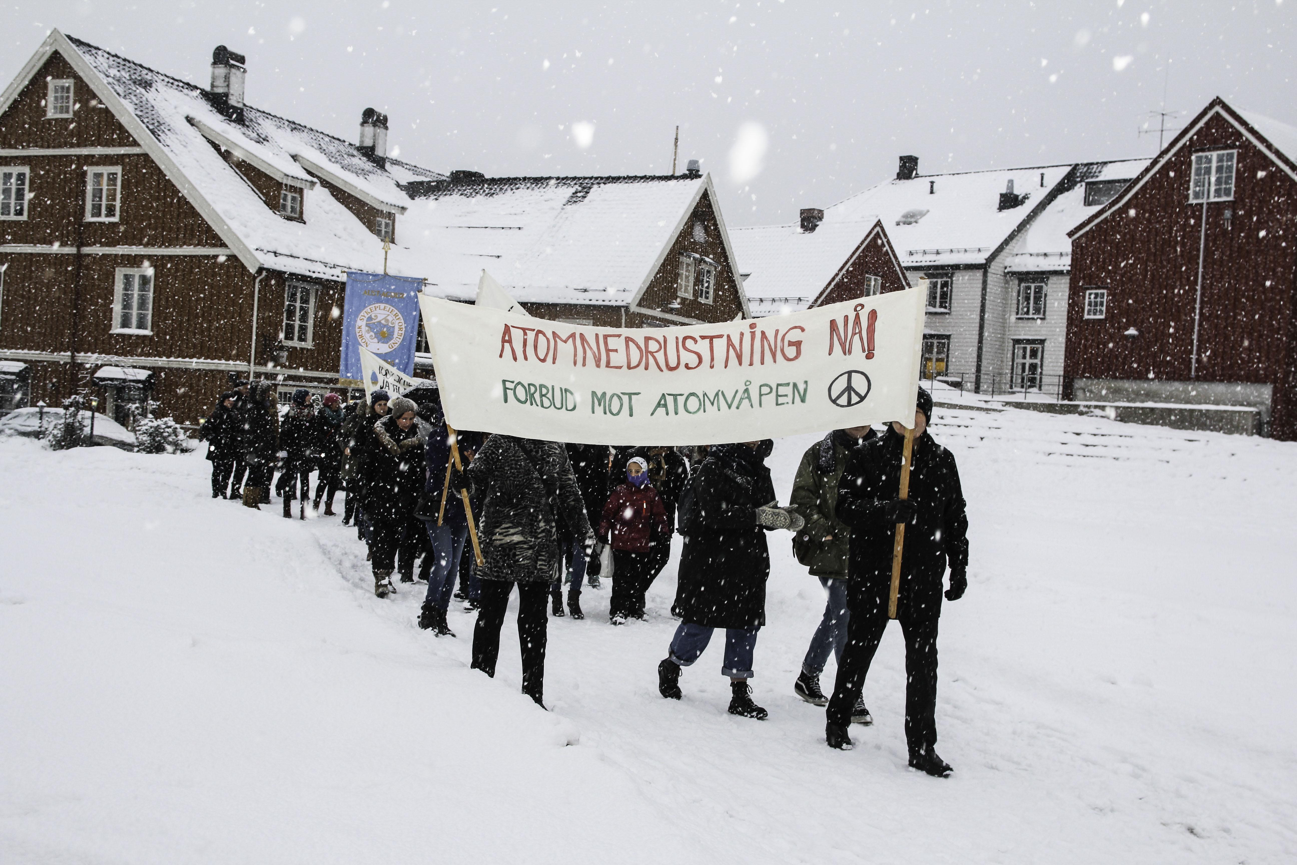 ATOMNEDRUSTNING: Forbud mot atomvåpen var i år igjen en av parolene. Foto: Grete Husebø