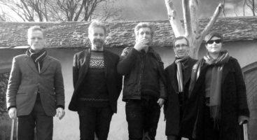 NY DRAKT: Lemen med vokalist Annlaug Børsheim som nå er erstattet med Eirik Vassenden i nye Vankel. Pressefoto