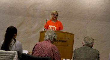 STERKT: Nestleder Marie Liene Guttormsen i UB delte en svært personlig historie om mobbing og bekymringer for fremtiden for bystyrepolitikerne. Foto: Esben Holm Eskelund
