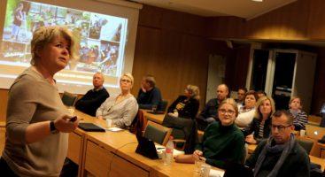 TIDLIG INNSATS: Bente Bergseth sa til bystyrepolitikerne at det viktigste som kan gjøres for å hindre at elever dropper ut av videregående opplæring er å fortsette arbeidet med tidlig innsats. Foto: Esben Holm Eskelund