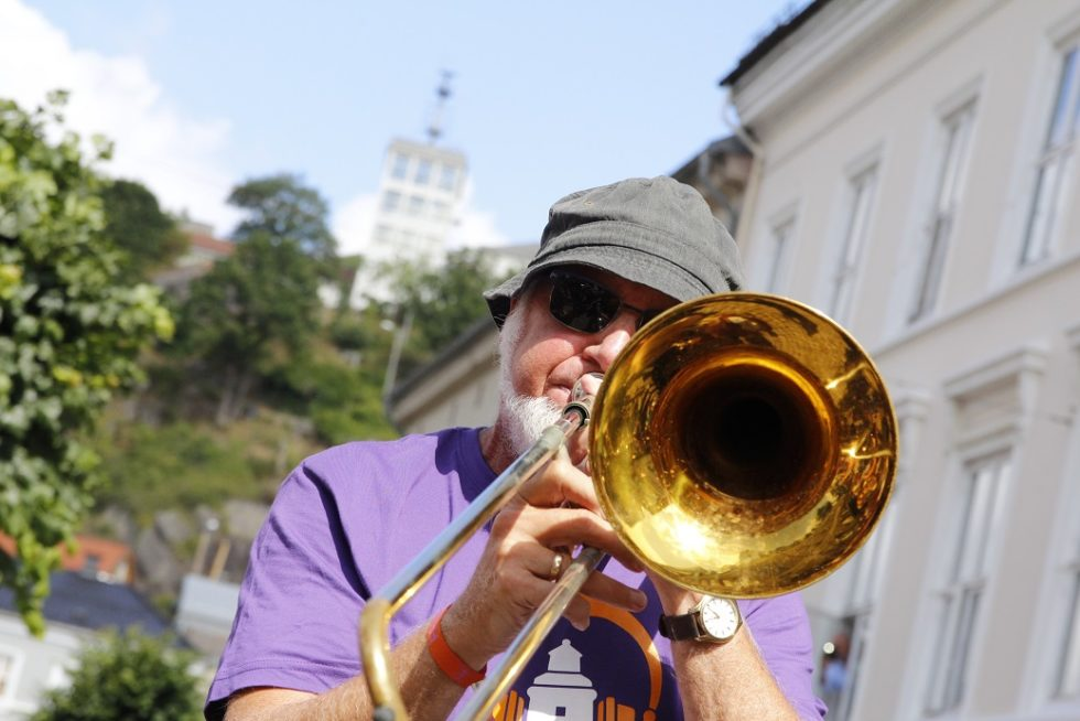 GENERAL: Paradegeneral Dag Jonssen På Trombone.