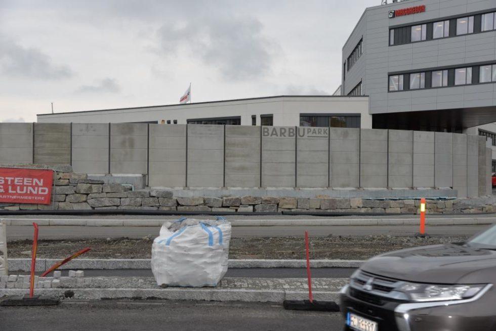 Sammenligner Barbumur Med Berlinmuren