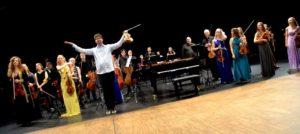 BRAVO: Solister Og Orkester Høstet Stående Applaus Fra Et Fornøyd Publikum Etter Konserten I Kulturhuset.
